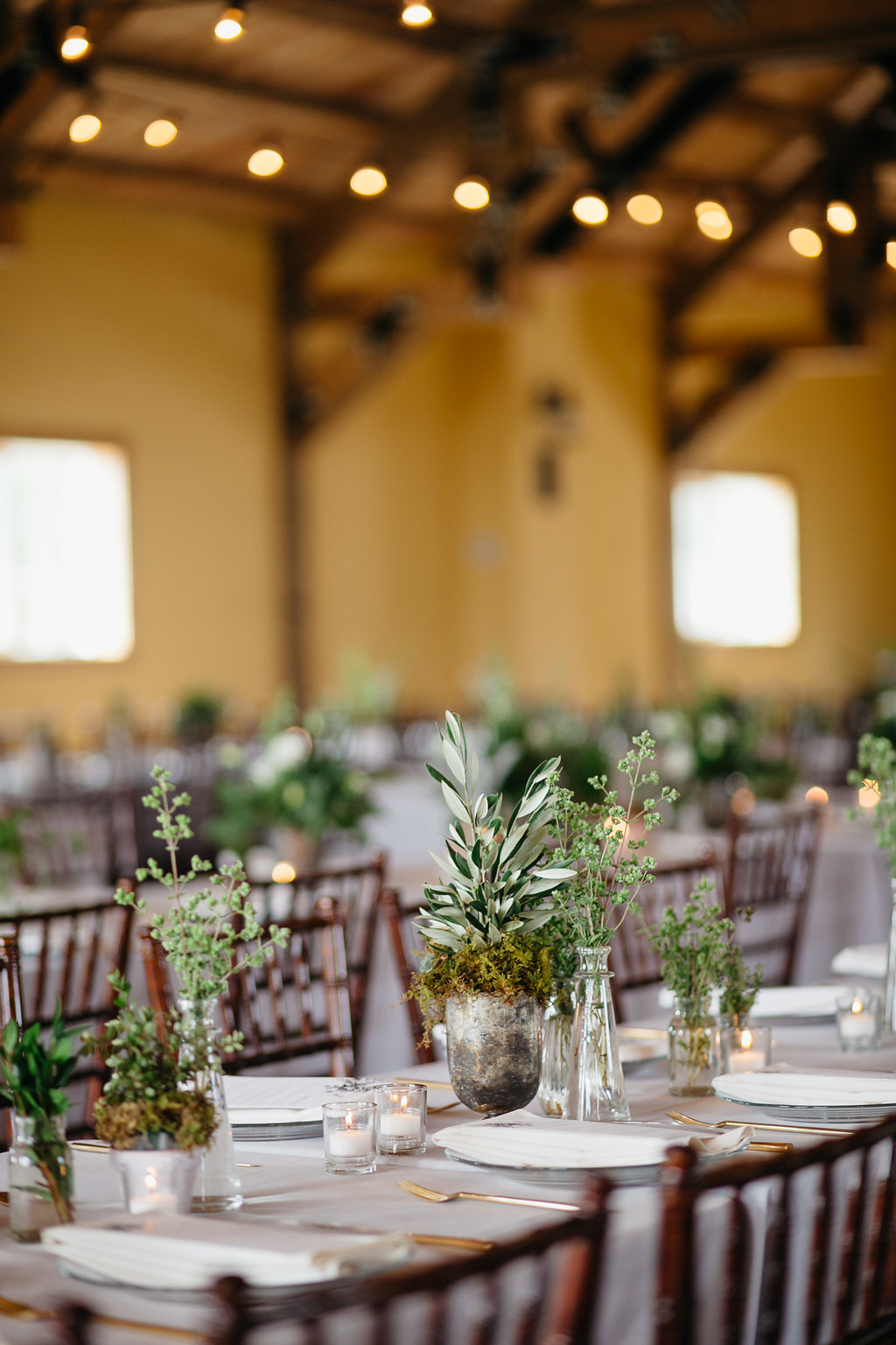 Iowa Midwest Winery Wedding Tables