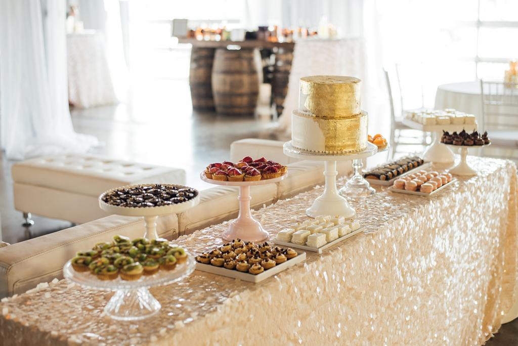 Diamond Room Omaha Nebraska Dessert Display