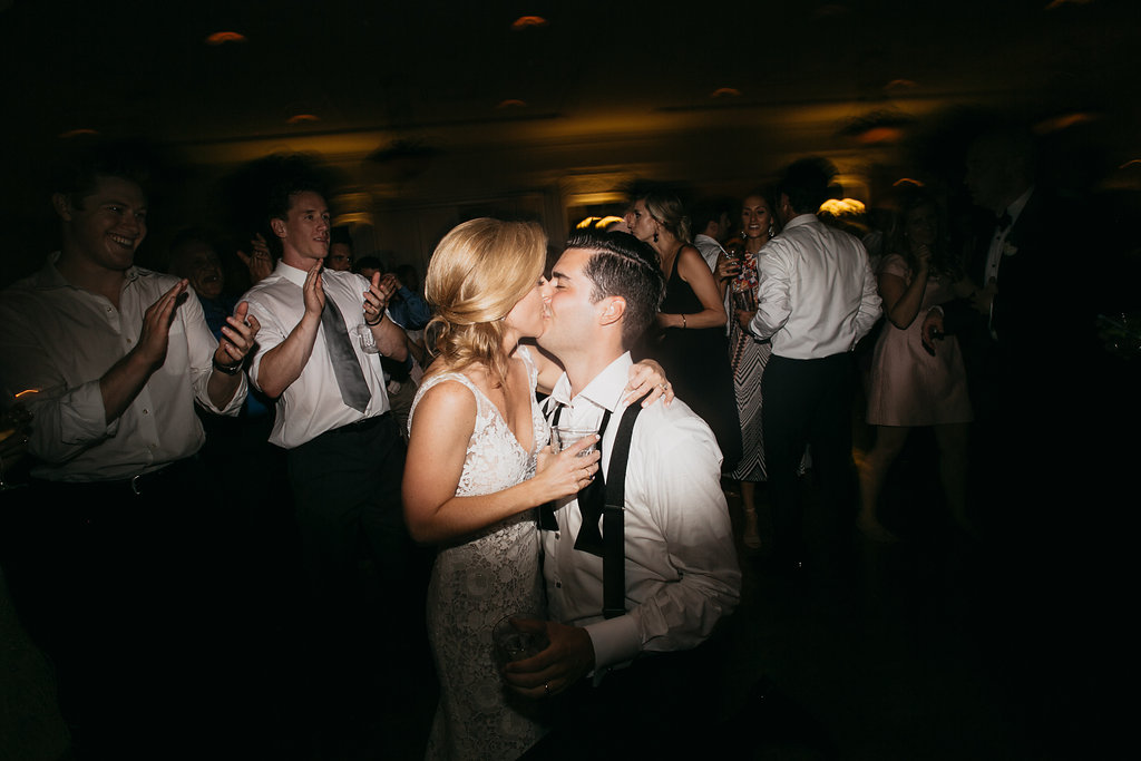 Happy Hollow Country Club Omaha Nebraska Midwest Wedding Dancing
