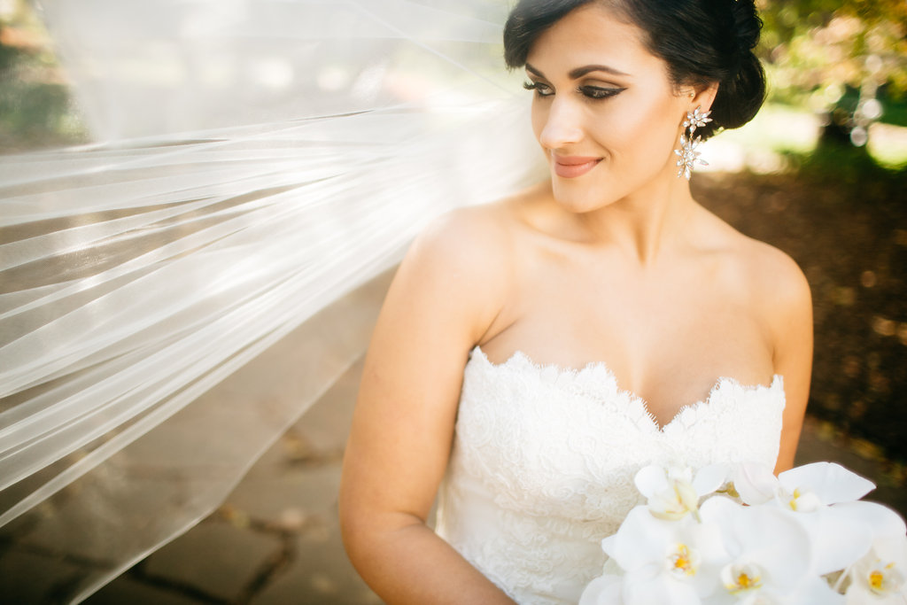 Omaha Nebraska Hilton Hotel Wedding Bride