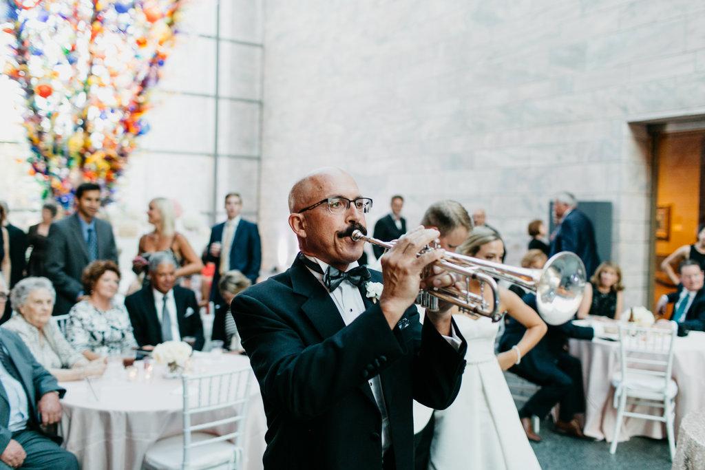 Joslyn Art Museum Omaha Nebraska Midwest Wedding Wedding Trumpet