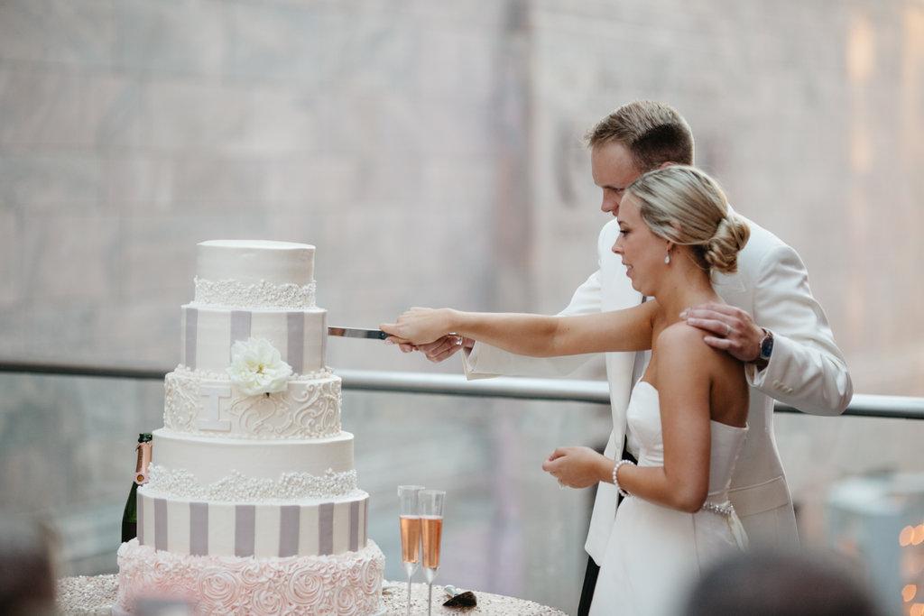 Joslyn Art Museum Omaha Nebraska Midwest Wedding Wedding Cake