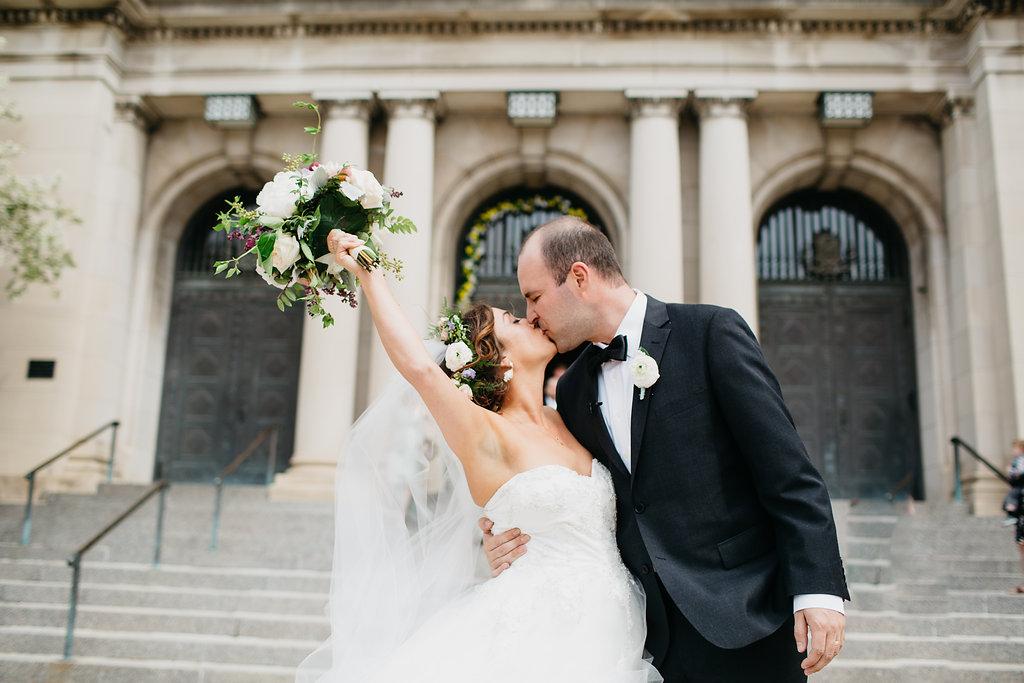 Omaha Nebraska Midwest Wedding Ceremony Kiss
