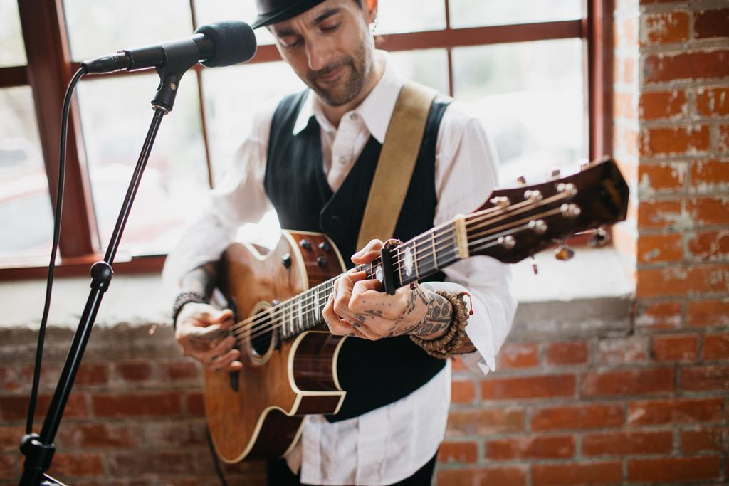 Omaha Nebraska Midwest Wedding Guitarist