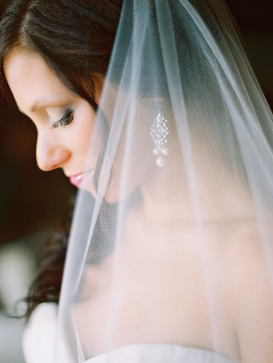 Omaha Nebraska Midwest Wedding Indian Hills Bride Veil