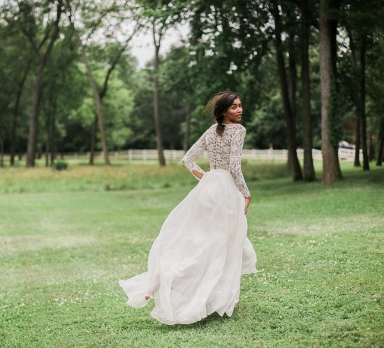 Mildale Farms Kansas City Wedding bride back dress