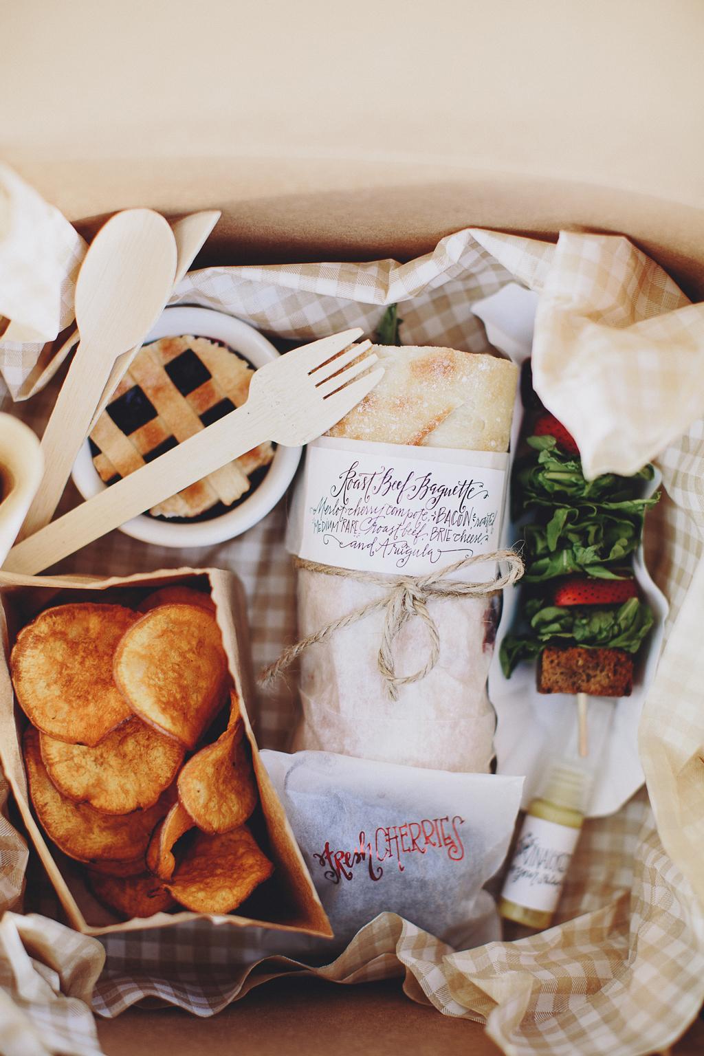 Nebraska Midwest Tent Wedding Picnic Box Meal