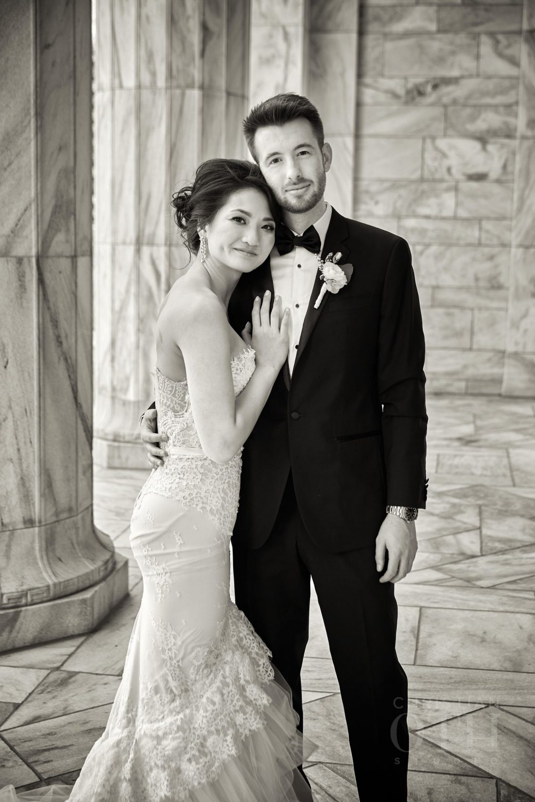 Joslyn Art Museum Omaha Nebraska Wedding Couple