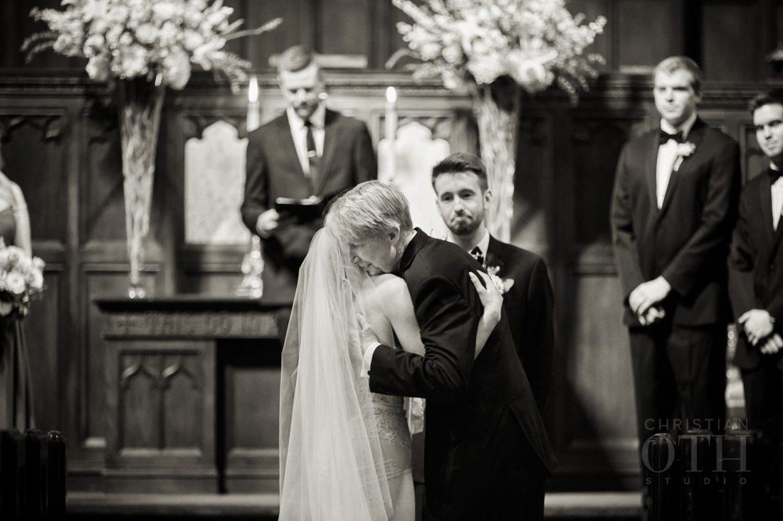 Joslyn Art Museum Omaha Nebraska Wedding Bride Ceremony